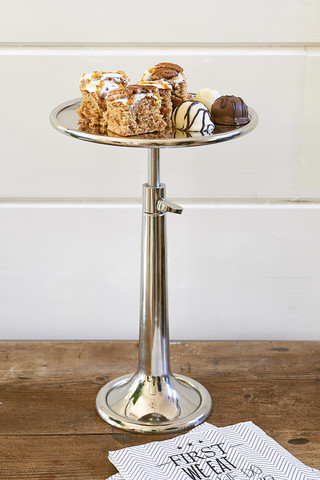 Vermont Adjustable Cake Stand