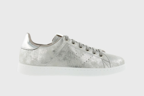Stonewashed Metallic Tennis Shoe Plata