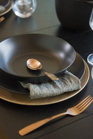 Maku keraaminen lautanen syvä musta 23 cm