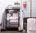 Bathroom accessories & textiles