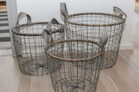 Metal basket set with bamboo details