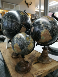 World globe Black 12cm