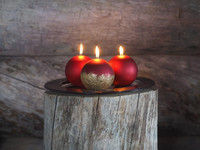 Velvet Ball Candle 10cm Red