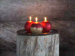 Velvet Ball Candle 10cm Red/gold Glitter