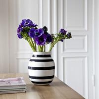 Omaggion Vase M Black