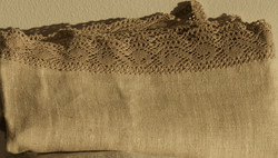 Pellavakylpypyyhe Pitsillä