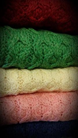 Villahuivi Aran, useita värejä