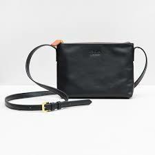 Pieni laukku, musta