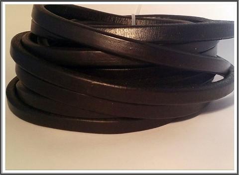 Nahkanauha Regaliz®, 10 x 7 mm, sileä, musta