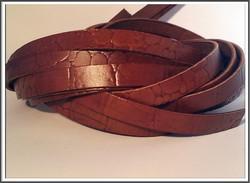 Nahkanauha, 10 x 2 mm, kroko, punertavan ruskea