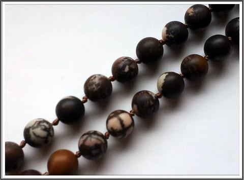 Outback jaspis, pyöreä Ø 10 mm, matta, ½ nauha