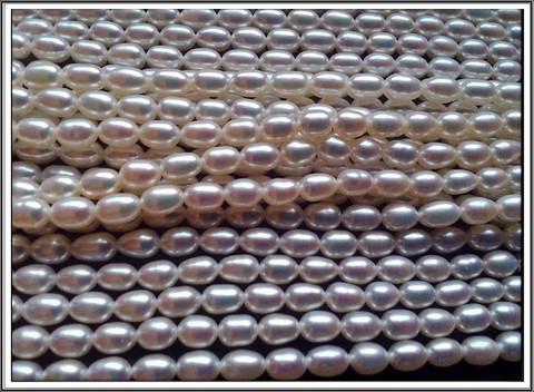 Makeanveden helmi AAA, 7 mm riisi, valk., ½ nauha