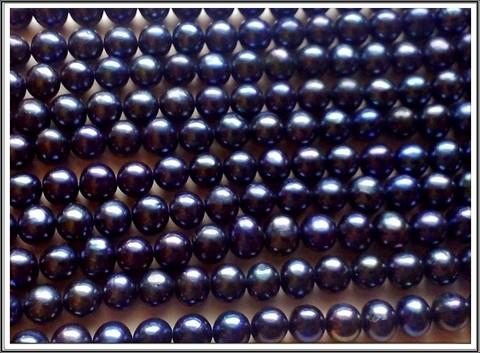 Makeanveden helmi, pyöreä 8-9 mm, sininen, ½ nauha