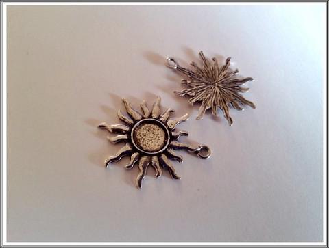 Korupohja Ø 10 mm kapussille, antiikkihopean värinen aurinko