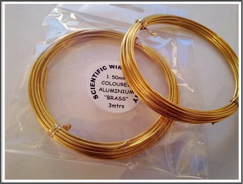Värillinen alumiinilanka Ø 1,5 mm, 3 metriä, messinki2 (Brass)