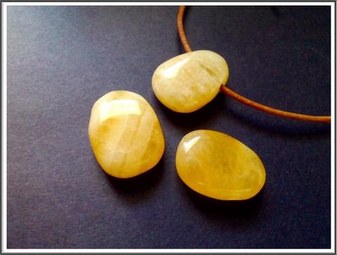Kalsiitti riipuskivi, keltainen pisara