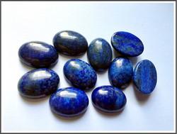 Lapis lazuli 18 x 13 mm ovaali kapussi
