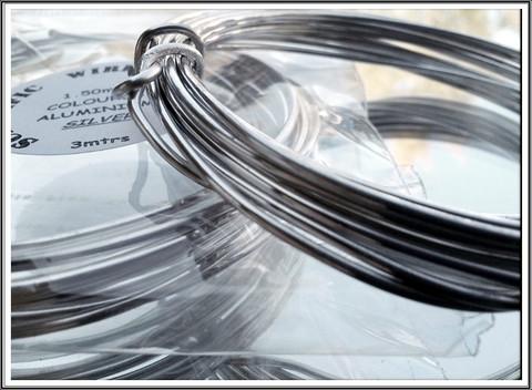 Värillinen alumiinilanka Ø 1,5 mm, 3 metriä, hopea (Silver)