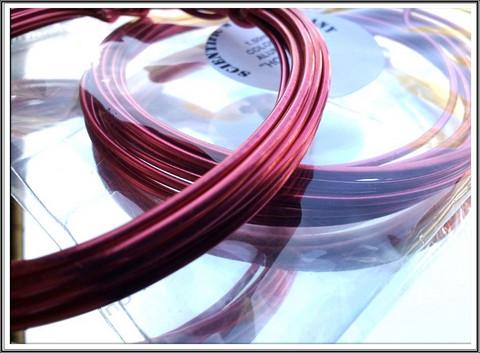 Värillinen alumiinilanka Ø 1,5 mm, 3 metriä, tumma pinkki (Hot pink)