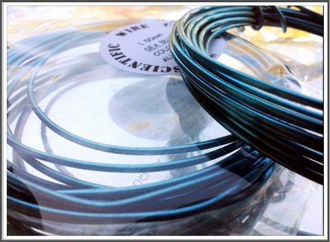 Värillinen alumiinilanka Ø 1,5 mm, 3 metriä, merensininen (Sea blue)