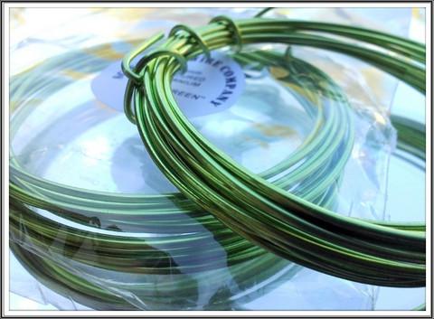 Värillinen alumiinilanka Ø 1,5 mm, 3 metriä, omenanvihreä (Apple green)