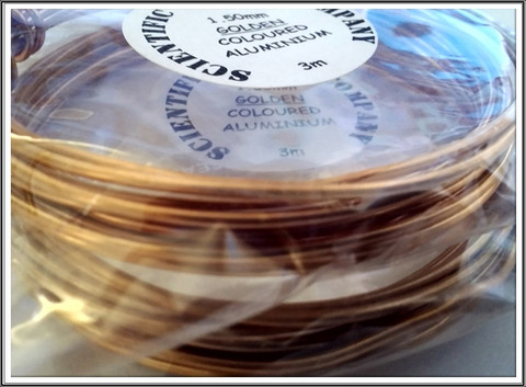 Värillinen alumiinilanka Ø 1,5 mm, 3 metriä, kulta (Golden)