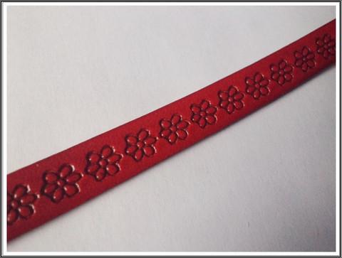 Nahkanauha 10 x 2 mm, kohokuvioitu, kukka, punainen