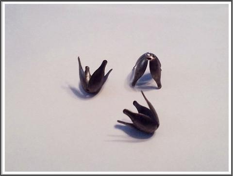 Helmihattu 14 x 10 mm, tulppaani, antiikkikulta, 10 kpl