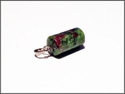Ruby-Zoisite kiviriipus, sylinteri, riipuspidikkeellä