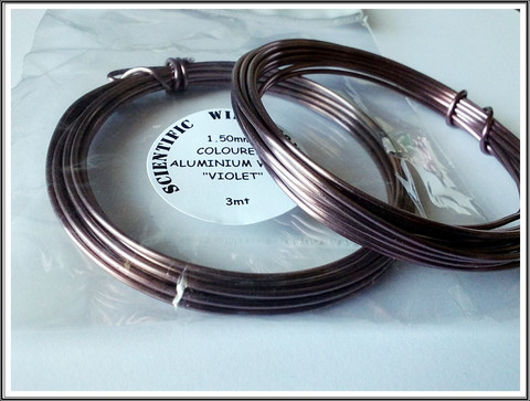 Värillinen alumiinilanka Ø 1,5 mm, 3 metriä, violet (Violet)
