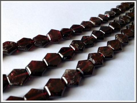 Granaatti, 8 x 9 mm litteä 'hexagon', 10 kpl