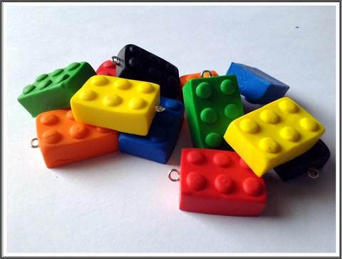 Lego-palikka, 24 x 17 x 10 mm fimoriipus, eri värejä
