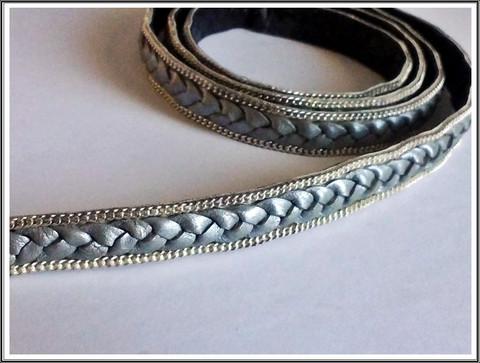 Letitetty nahkanauha 14 x 3 mm ketjukoristein, harmaa/hopea