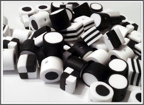 Lakuhelmet, musta-valkoinen sekoitus, 10 kpl
