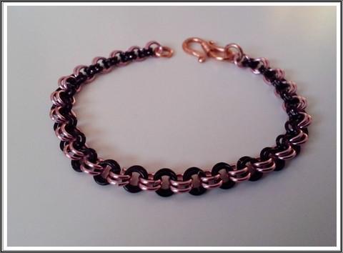 Rannekoru, muinaisketju alumiinirenkaista, musta-roosa