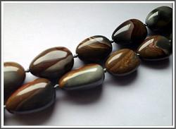 Maisema jaspis, 20 x 25 mm, nugetti, ½ nauha
