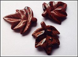 Mahonkiobsidiaani, 24 x 27 mm, lehti