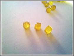 Kalsedoni AA, 7 mm fasetoitu kuutio, keltainen, kpl