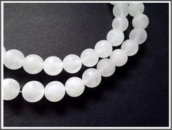 Vuorikristalli, huurrettu, pyöreä Ø 8 mm, ½ nauha
