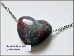 Kyaniitti-Rubiini riipuskivi, sydän