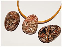 Leopardijaspis riipuskivi, ovaali/pisara
