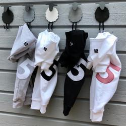 Ulappahuppuhaalari, valkoinen, musta ja harmaa