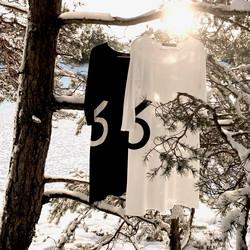 Purjemekko 6, musta ja luonnonvalkoinen