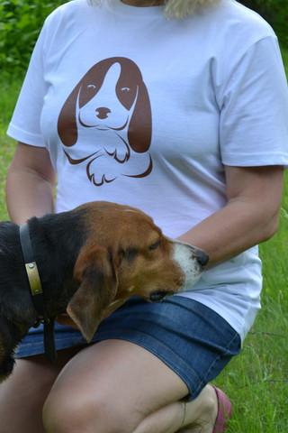 Perusmallinen luomupuuvillainen t-paita miehille ja naisille koirapainatuksella
