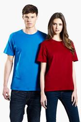 Perusmallinen musta,valkoinen,sininen ja tummanpunainen unisex-t-paita  luomupuuvillaa, sekä miehille että naisille