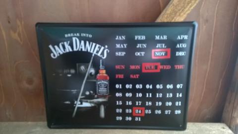 Peltitaulu Jack Daniel`s kalenteri