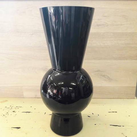 Globe vaasi musta