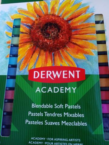 Kuivapastelliliidut Derwent Academy