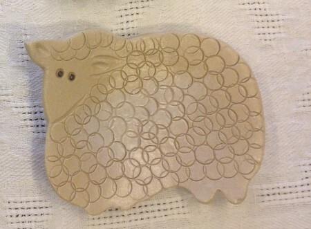 Keraaminen teetassi / kauhanalunen lammas
