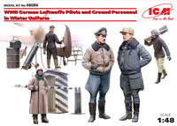 WWII German Luftwaffe Pilots and Ground Personnel in Winter Uniform, 1:48